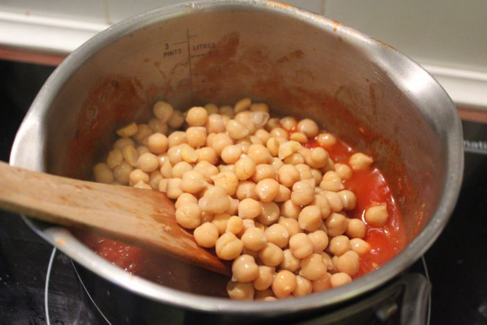 spicy tomato chickpeas recipe